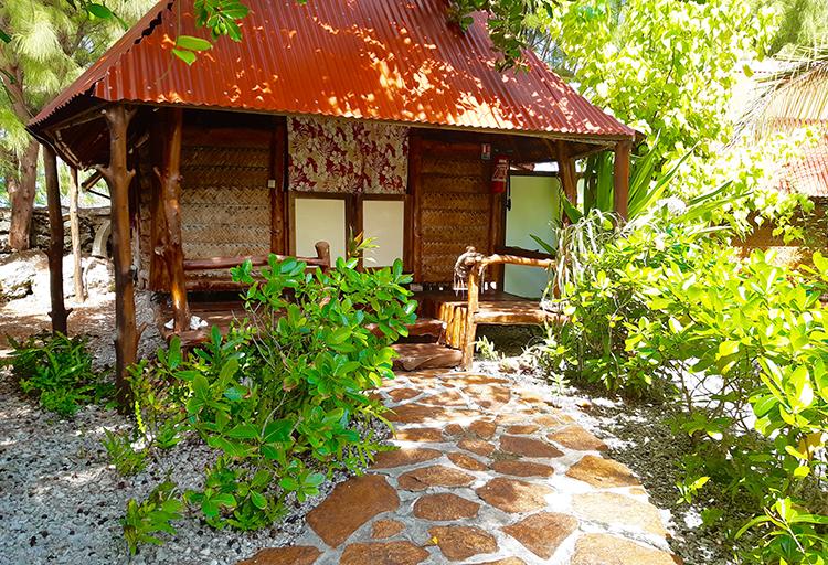 garden-bungalow-fakarava-motu-aito-n1